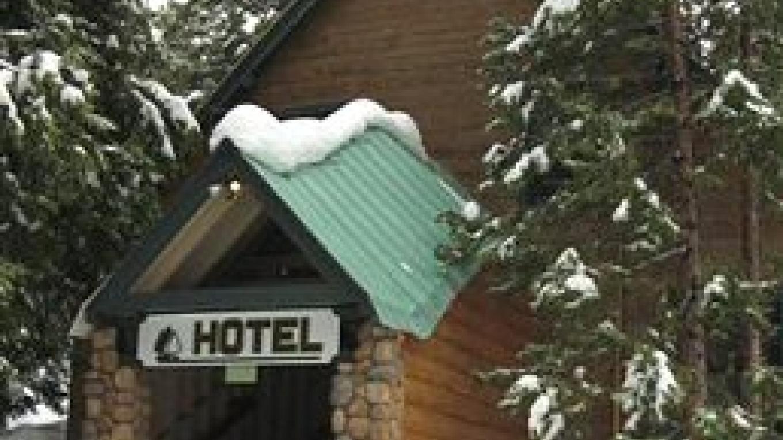 Shaver Lake Village Hotel during Winter
