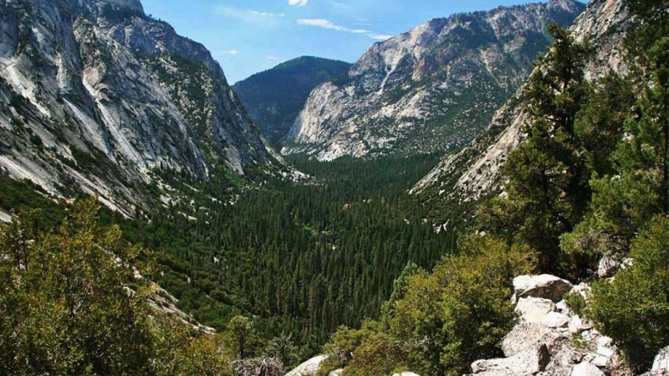 Looking down the massive canyon created by the South Fork of the Kings River in Kings Canyon National Park. – NPS/Rick Cain