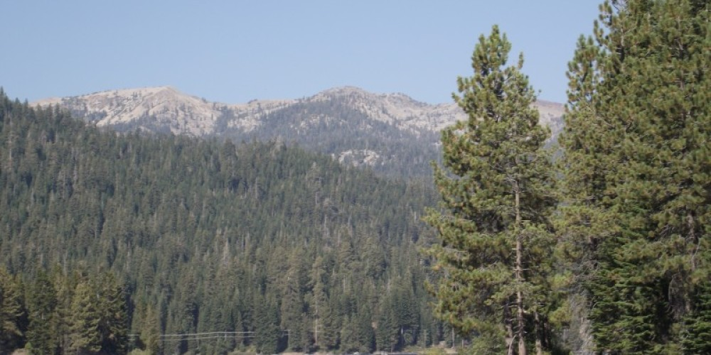Kaiser Peak from Lakeview Cottages – Duane Ruth-Heffelbower