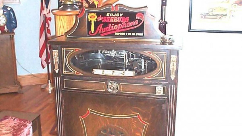 Seeburg Jukebox – John Mottoros