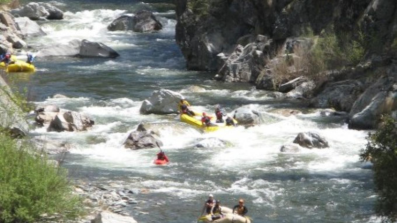 Whitewater rafting on the North Yuba River through Moss Canyon – Graham Morey