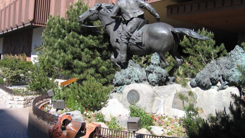 Pony Express Statue at Harrahs – XP Rider