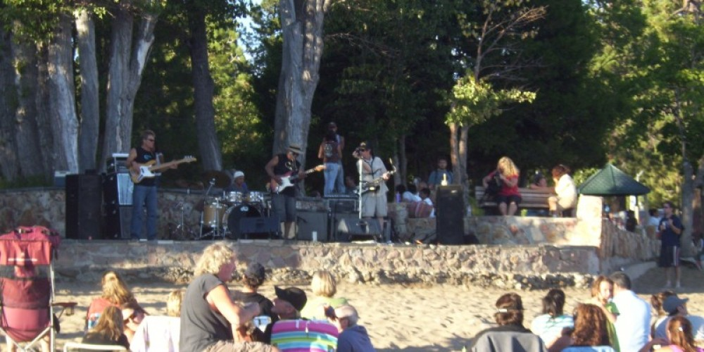 Crowd enjoys great Music on the Beach in Kings Beach – NTBA