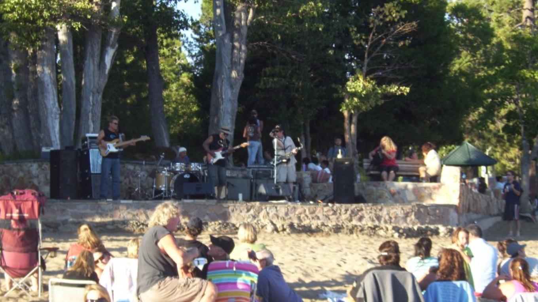 Crowd enjoys great Music on the Beach in Kings Beach – NTBA