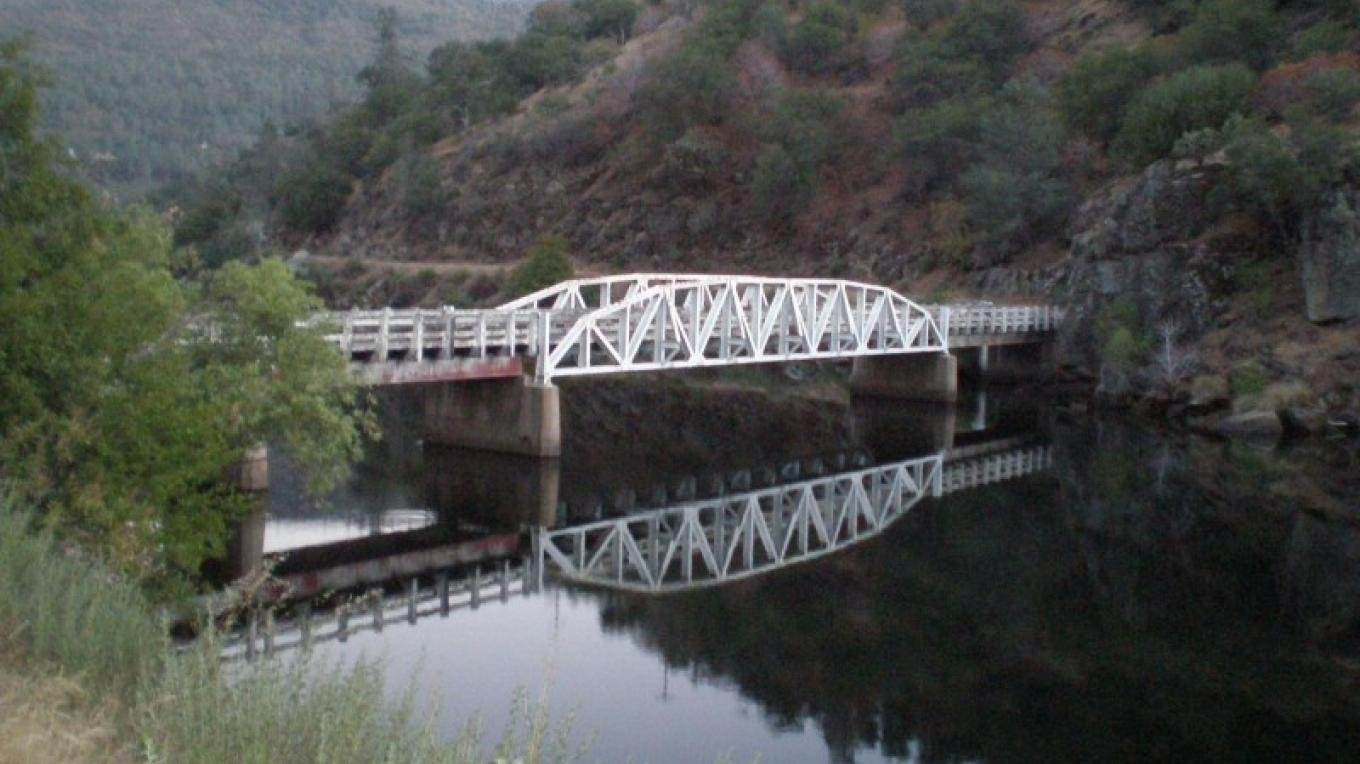 Italian Bar Bridge trailing crossing into Madera County and the long ascent to Mammoth Pool near Chawanakee Learning Center. – Steve Haze