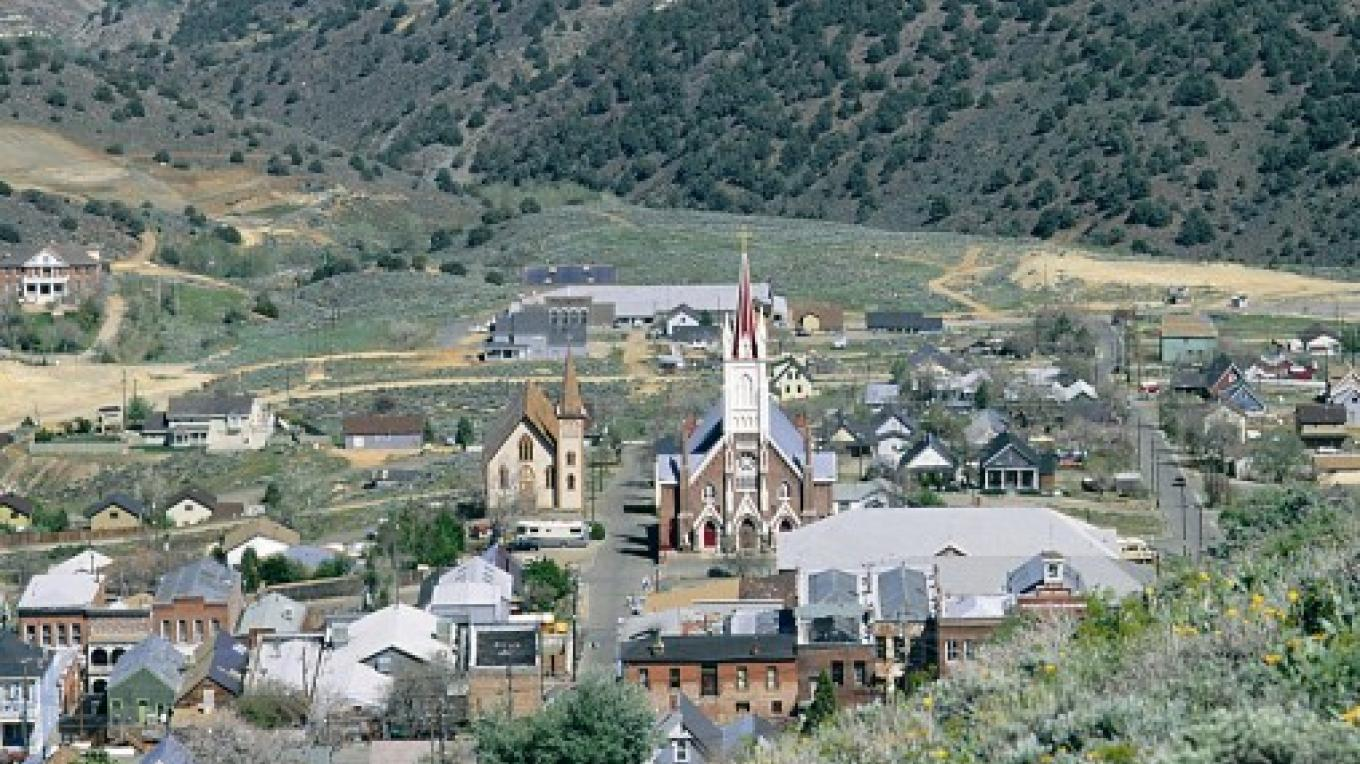 Virginia City offers a fun experience stepping back in time with lots to see and do. – Nevada Commission on Tourism