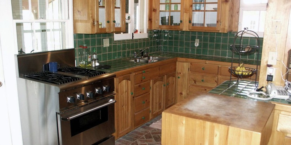 The large kitchen is completed stocked with all the modern applicances that will make your stay something special.