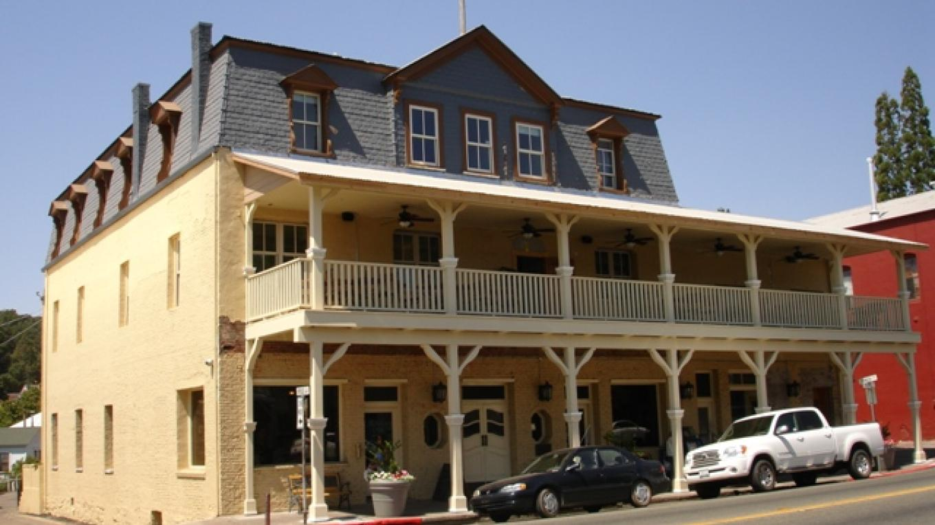 The American Exchange Hotel which used to service the stage coaches of the old west. – Klosowski