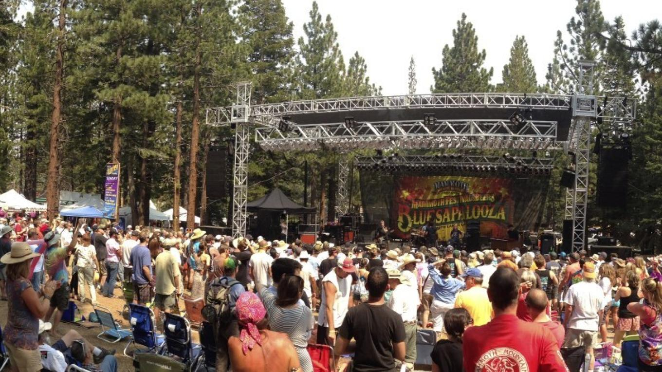 Outdoors among the pines and showcasing the best craft breweries in the country and top blues performers—this is Mammoth's biggest event—4 days of fun in the sun. The best party of the summer! – Tylor Mason