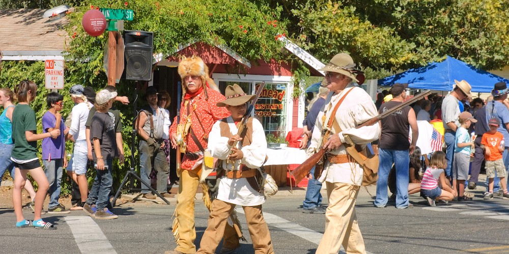 Mountain men performers in the Lumberjack Day parade in West Point, California – Photo by Jeffrey Banke / Dreamstime.com