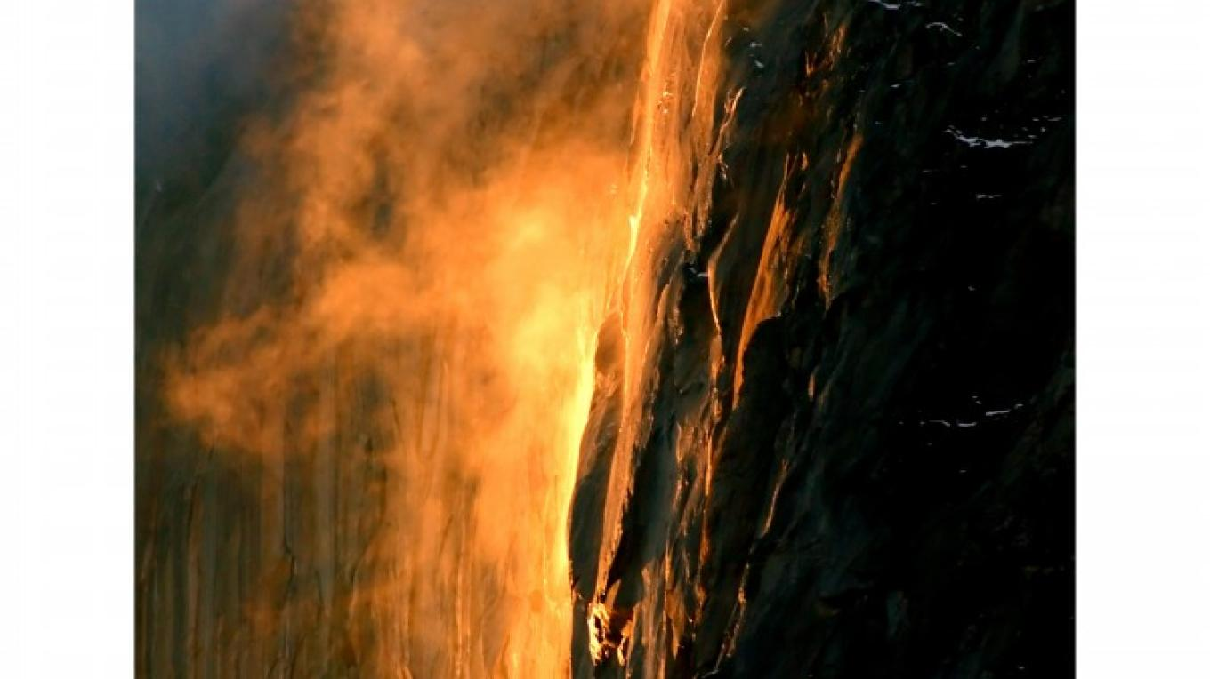 HorseTail Falls Natural FireFalls at Sunset – Charles Phillips