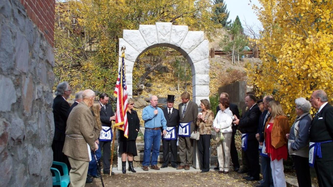 Dedication of the Masonic Arch in the Community Memorial Garden September 27, 2007 – © 2007 Truckee Donner Historical Society All Rights Reserved