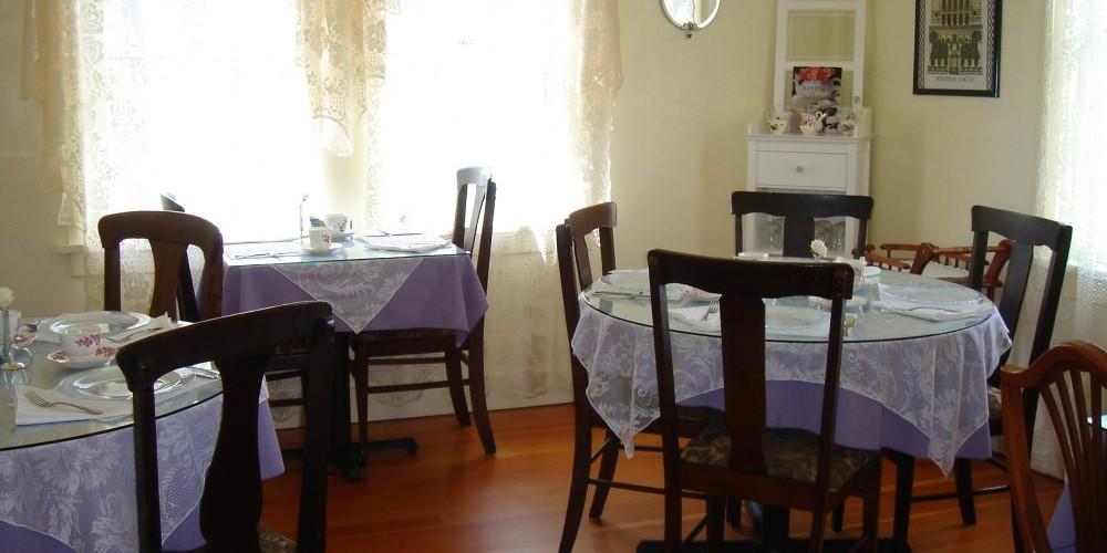 Dori\'s Tea Cottage dining room – Dori Jones