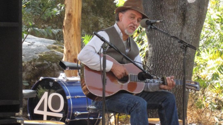 Glen Delpit, local blues guitarist at Harvest Arts Festival – Bonnie Bladen