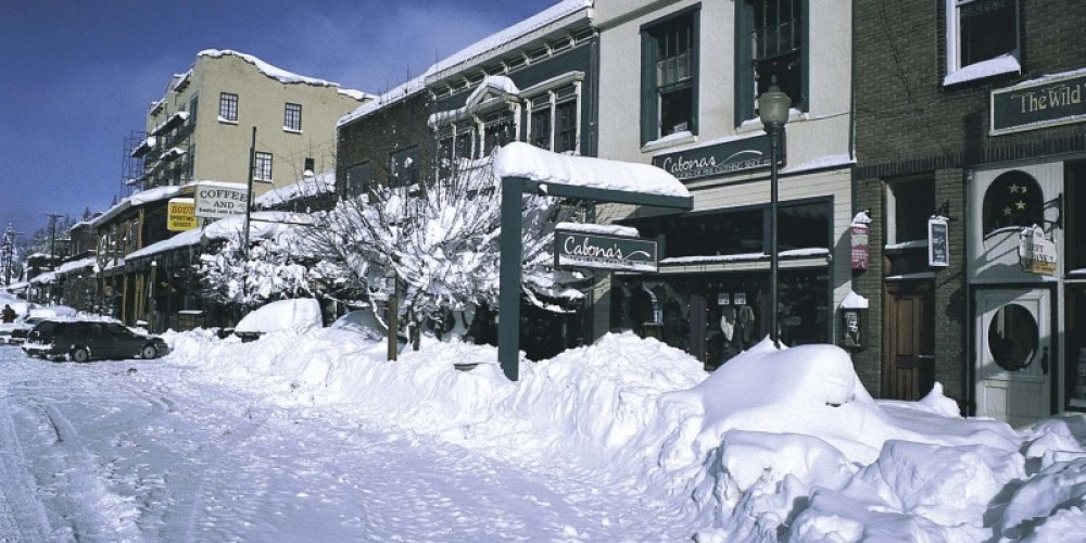 Downtown Truckee during the winter months, covered in snow – Courtesy of Truckee Chamber of Commerce