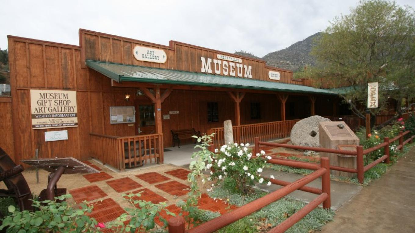 Kern Valley Museum – Sierra Woods Images