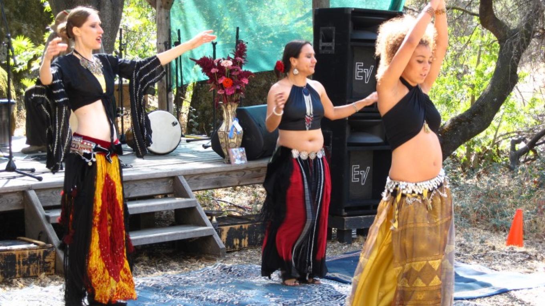 Belly Dancers at Harvest Festival – Bonnie Bladen