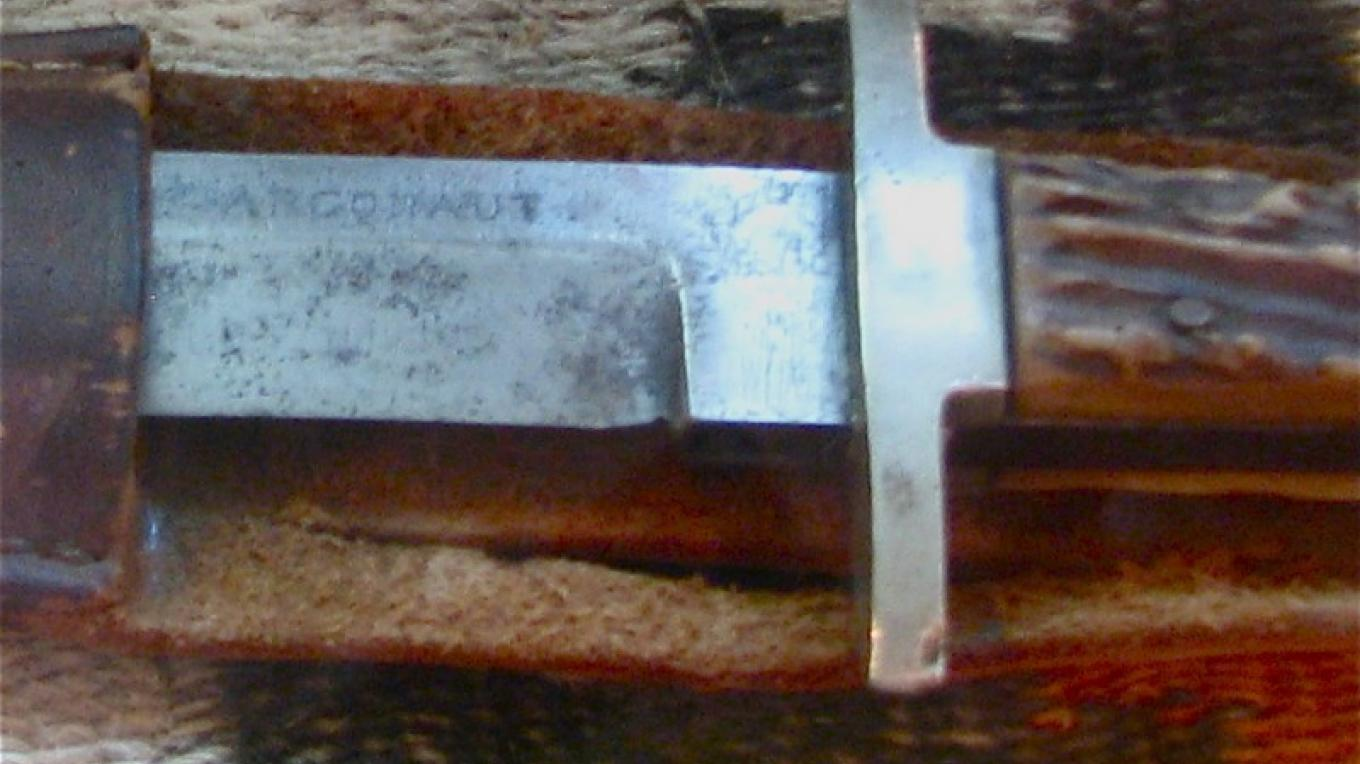 This knife is most unusual. With the Argonaut marking, it came from the famous mine in the Amador County area. – Karrie Lindsay