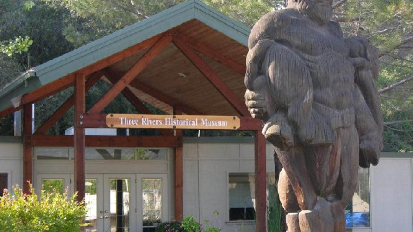 Paul Bunyan statue carved from 'downed' Sequoia Tree in 1941 sits in front of Three Rivers Historical Museum – Tom Marshall