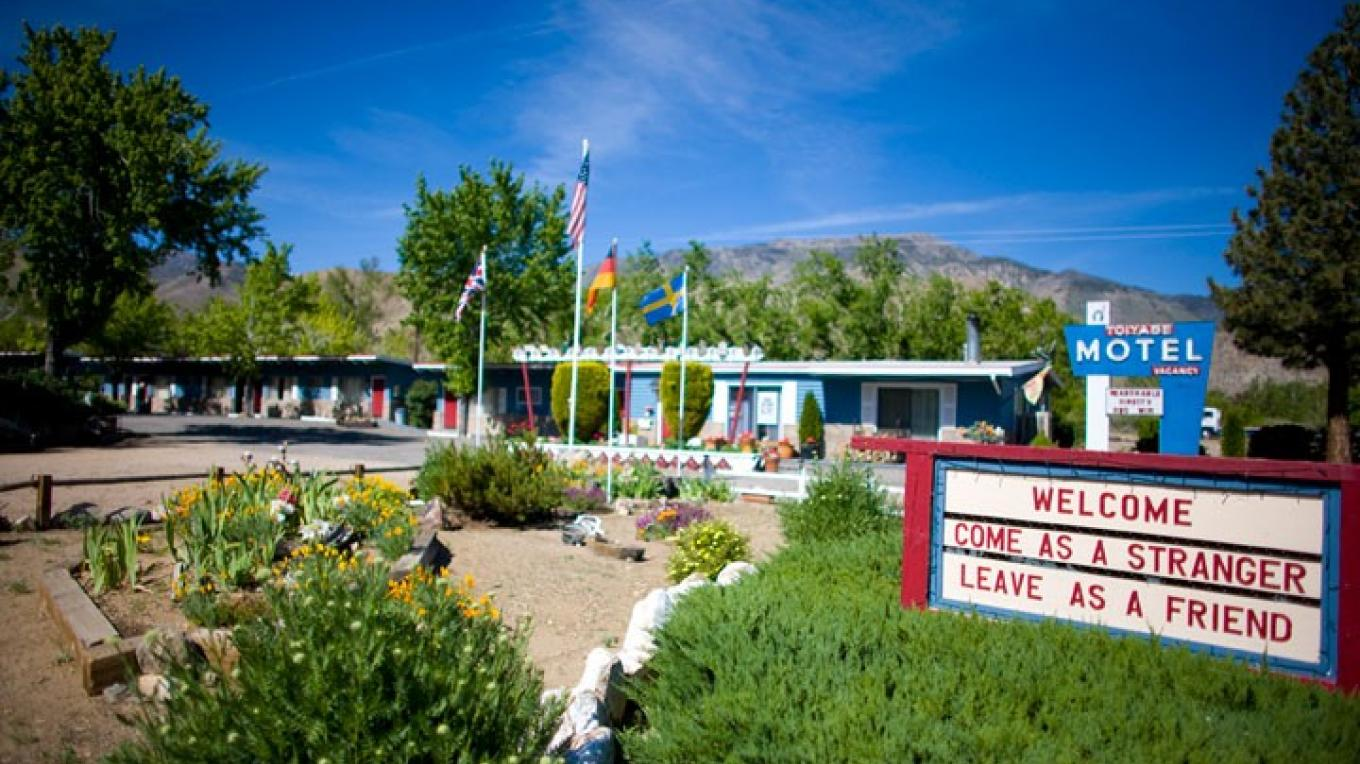 Classic American Motor Court Lodge in Walker, CA – Christian Pondella