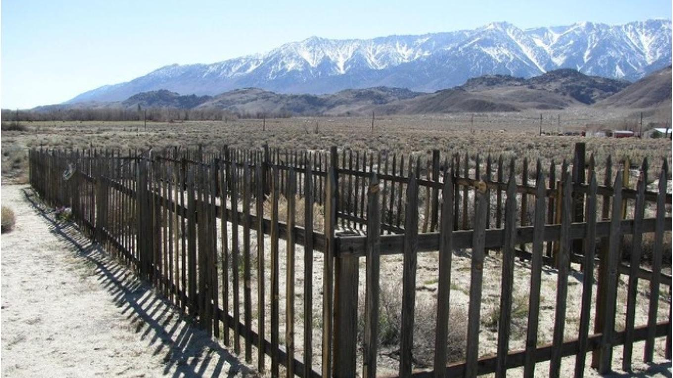 Group Burial Site for the victoms of the devastating 1872 Lone Pine Earthquake that killed 27 and leveled the town – HMDB.org