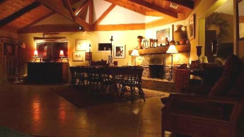 Dining room area – Sharon
