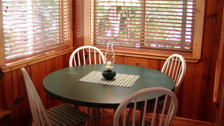 La Vista Breakfast Nook – Robert Verduin