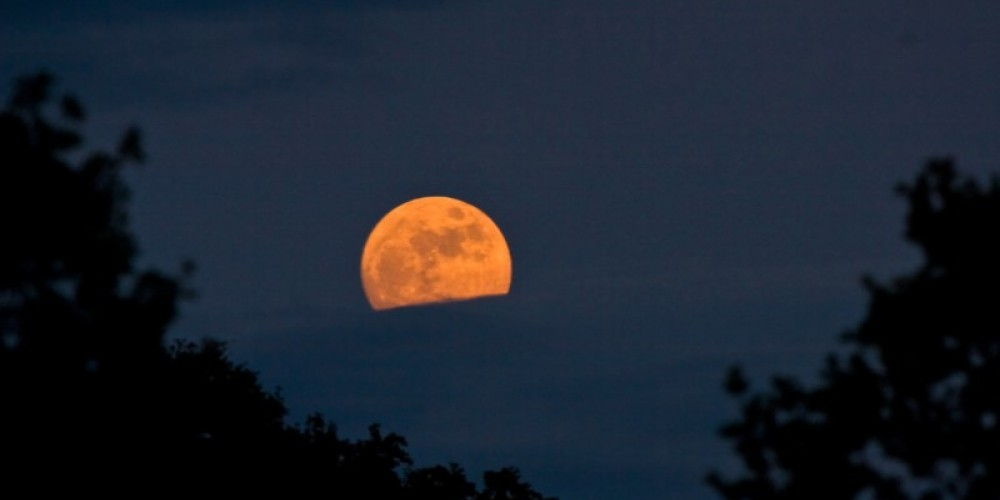 The moon rises over the Confluence of the American River North and MIddle Forks. – ©Gary Hughes