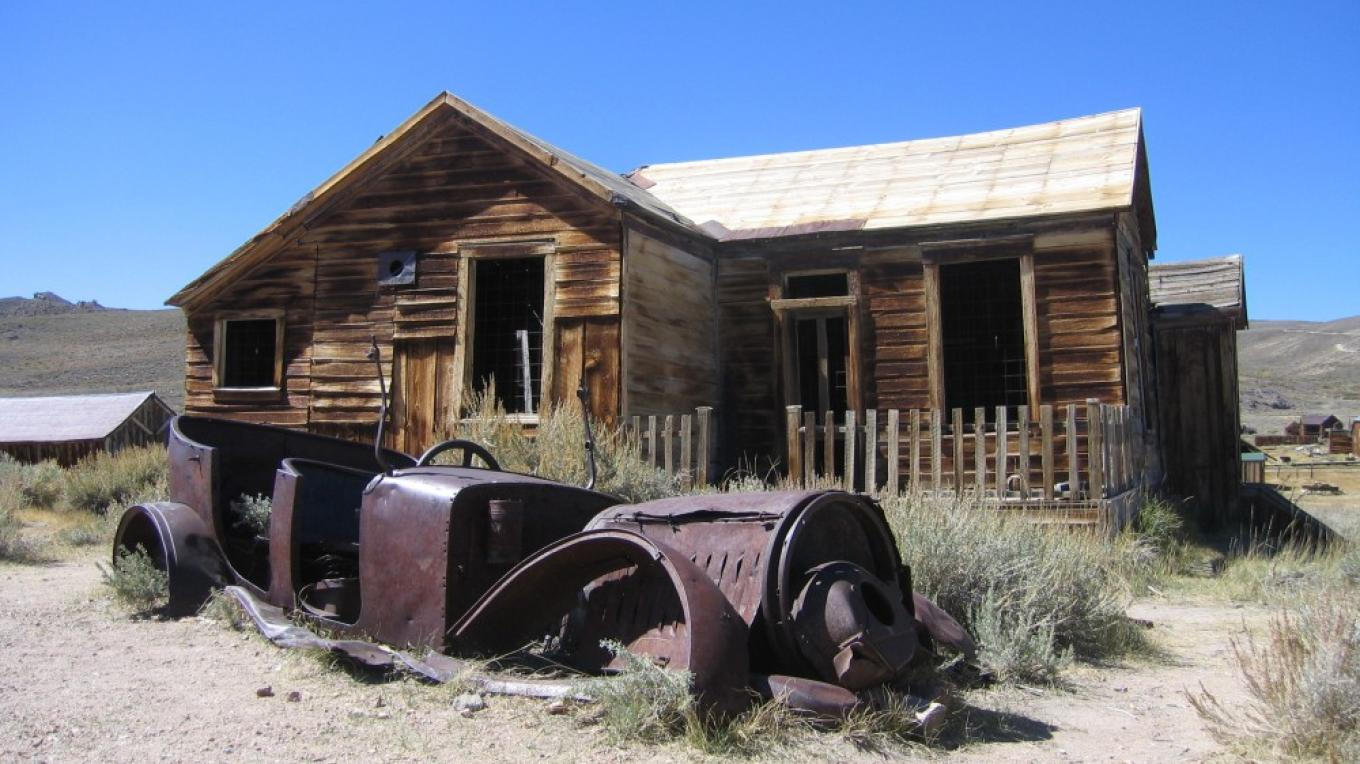 Bodie house and old car – Jimmy Kellett