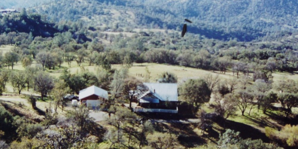 guest ranch located on 40 acres located  in the Sierra Nevada  Scenic Byway. Located 30 minutes from the Sourth gate to Yosemite – Mark Williams