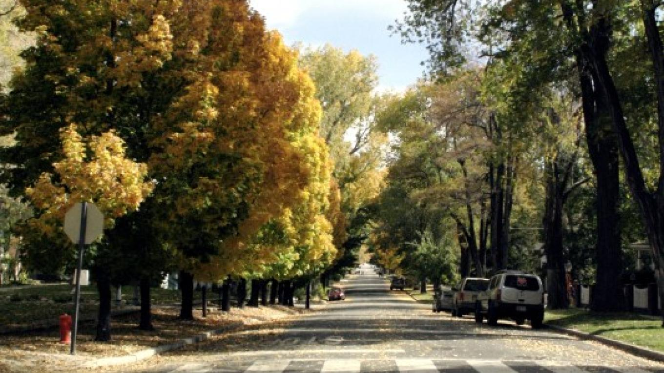 An autumn day on the Kit Carson Trail is a perfect time for a stroll to see historic homes of famous Nevadans. – Carson City Convention & Visitors Bureau.