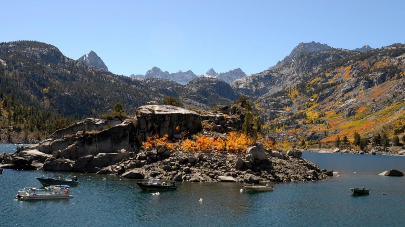 Lake Sabrina awash in fall color. – Jim Kellett