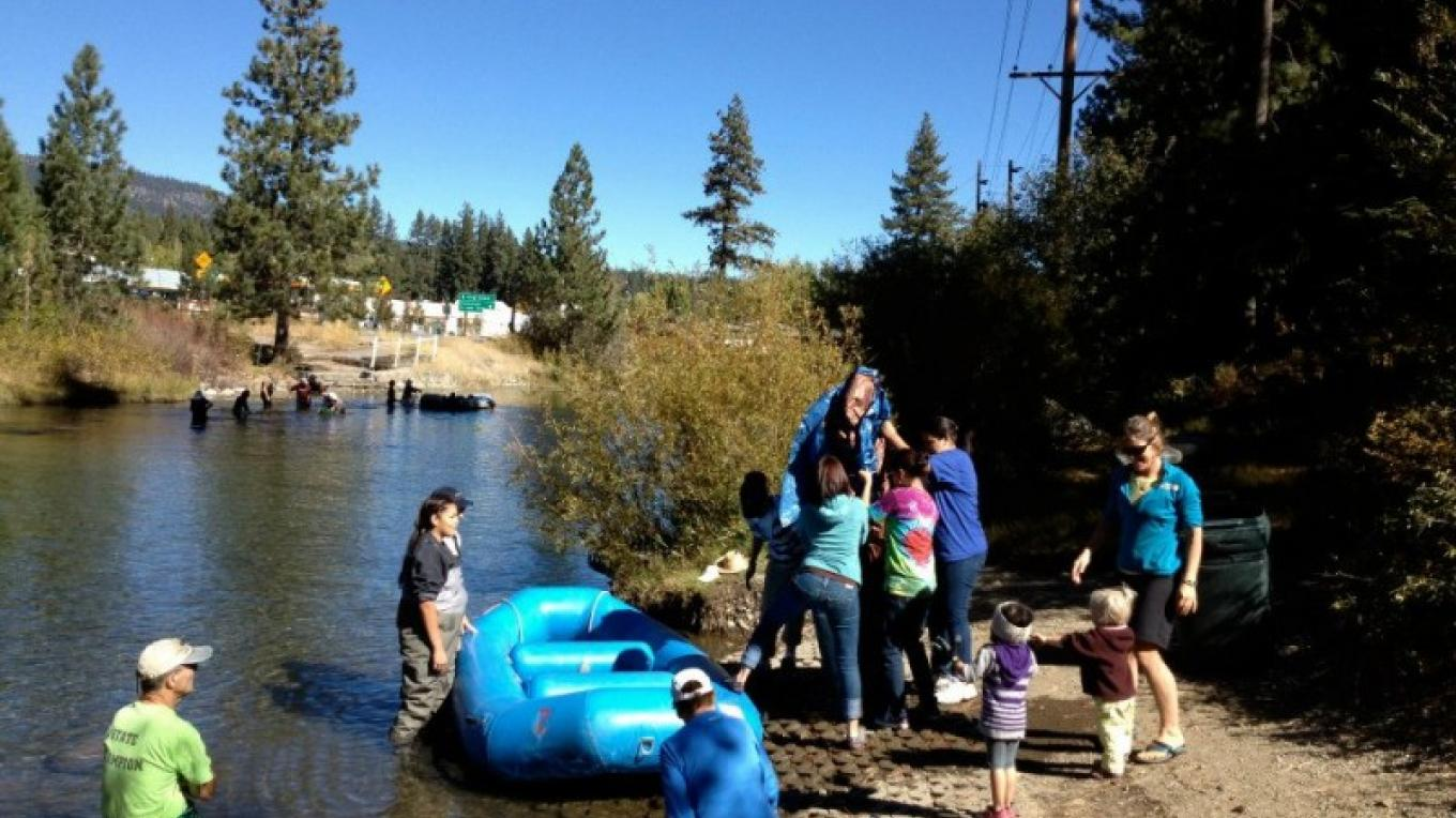 Adventure Risk Challenge teens helping to clean up the Truckee River. – Adventure Risk Challenge