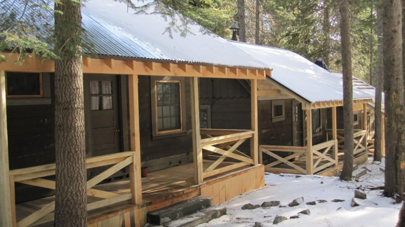 Cabins with snow – Gabrielle Kant