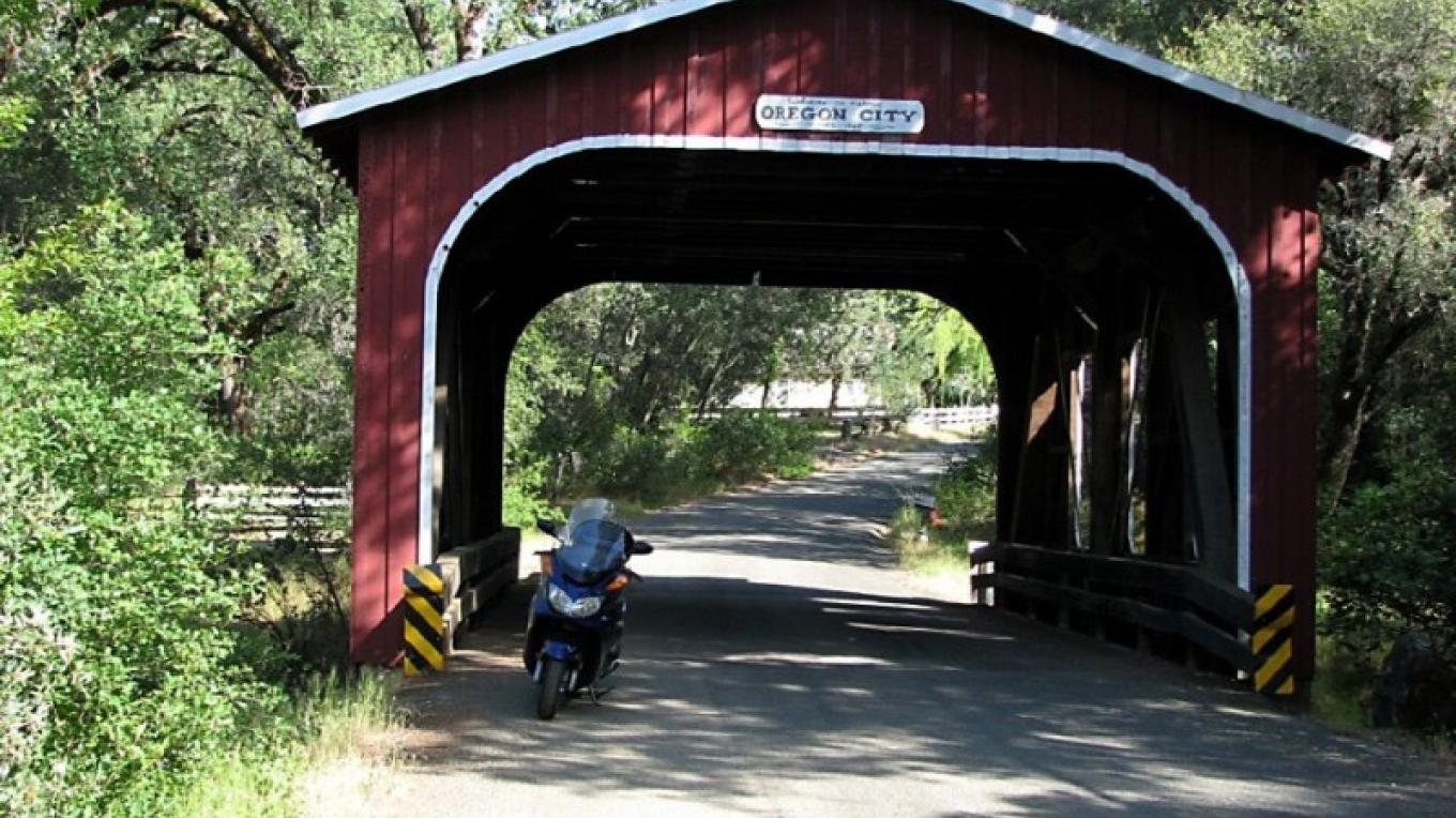 Covered bridge nearby Oregon City – Panaramio