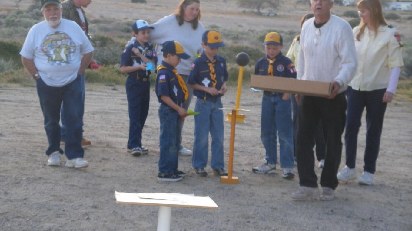 The club set up a model solar system for the Cub Scouts in Mt. Mesa.  They had a LONG walk through the solar system! – Dianna Anderson