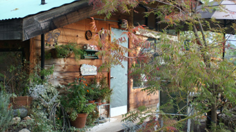 Cort Cottage Bed and Breakfast, front door and wine barrel deck – Elsah Cort