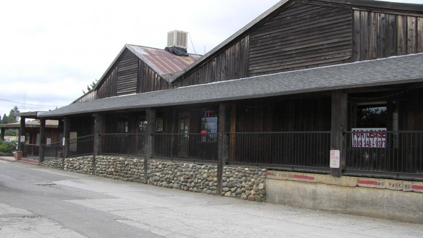 Historic fruit packing sheds now a restored commercial center – David Wiltsee