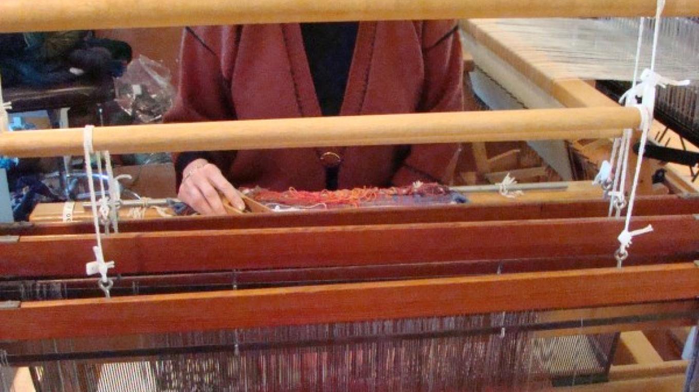 Floor looms are used by workers, owner, and some volunteers. – Jean Bilodeaux