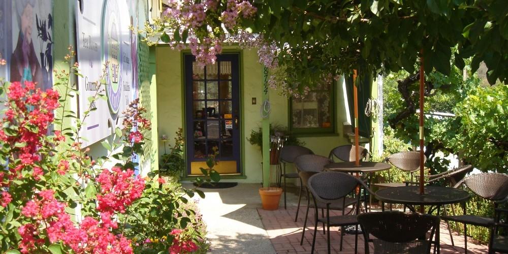 Courtyard entrance to Dori\'s Tea Cottage – Dori Jones