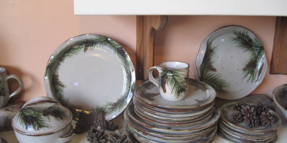 Tagress Family Pine Cone Pottery – Bonnie Bladen
