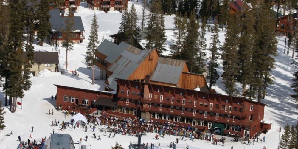 The Village Lodge – Felix McLaughlin