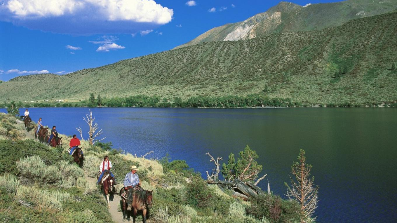 Convict Lake Horseback Riding – Londie Paldesky