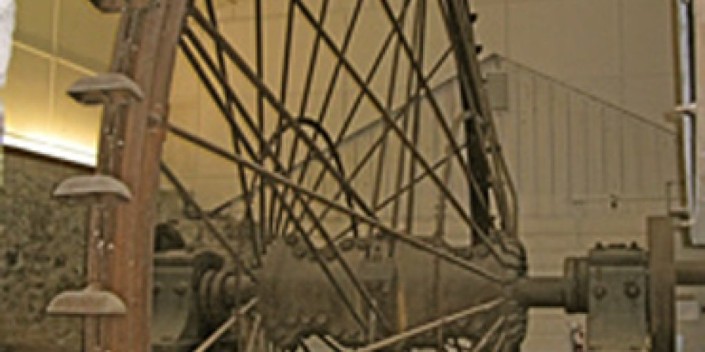 Pelton Wheel at Northstar Mine Powerhouse. – http://www.nevadacountyhistory.org/html/mining_museum.html