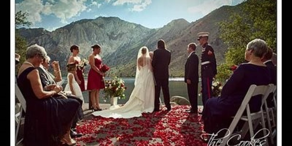 A wedding ceremony on the Lake. – The Cookes Fine Photography