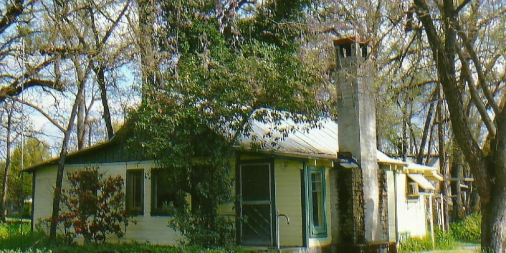 Daddy Joe's cottage rental SJ&E road – Susan Leeper