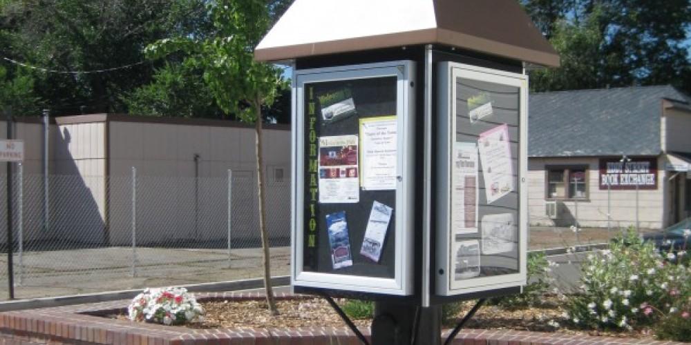 Information Kiosk on Main Street – Paula Lochridge