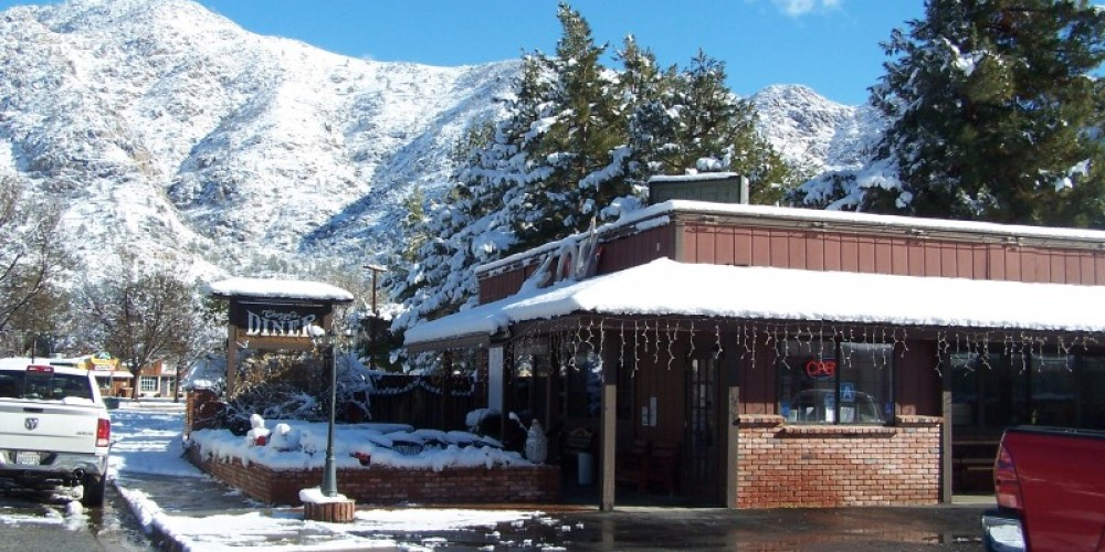 Winter in Kernville 2010 – Cheryl Borthick