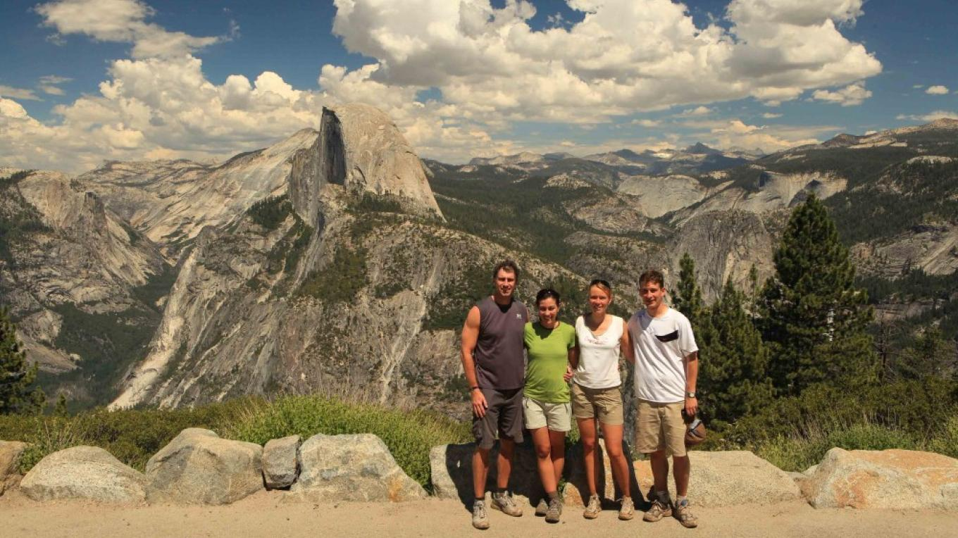 Yosemite Glacier Point Hiking Tour – Robb Hirsch