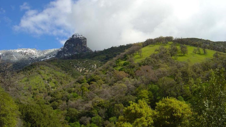 Moro Rock looms over the foothills. – NPS/Steve Bumgardner